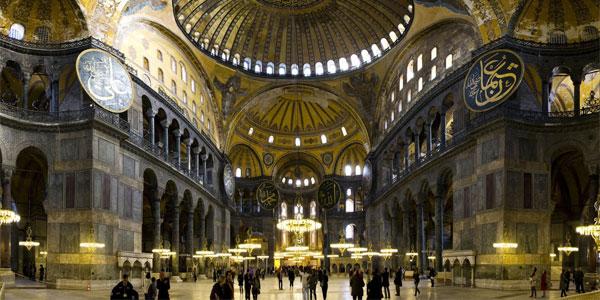 Hagia-Sophia-interior