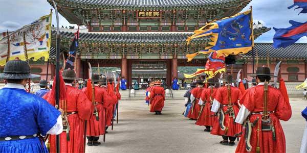 Royal-guard-changing