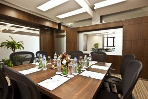 fm-meeting-room2