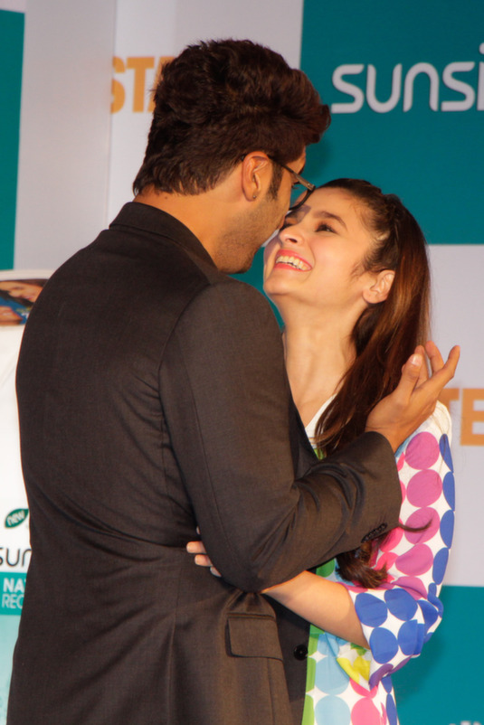 Alia Bhatt and Arjun Kapoor Get Cozy - In Pics