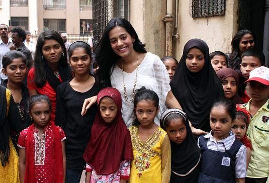 Amrita Rao With NGO Children