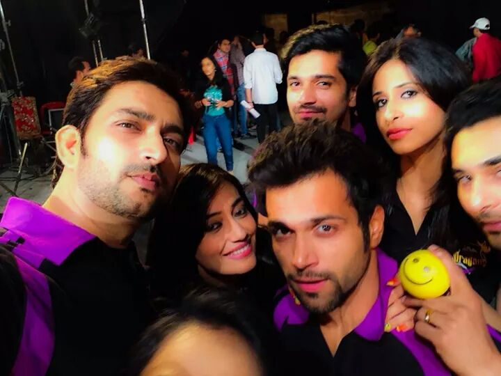 Rithvik Dhanjani, Aadesh Choudhary,Surbhi JYoti, Kishwer Merchant Of Delhi Dragons for BCL Promo Shoot
