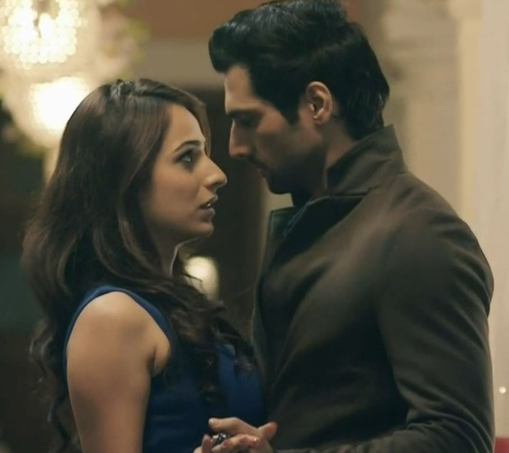 Indian TV : Top 5 Not So Convincing Love Stories On TV