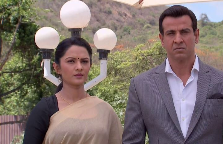 Neil and Ragini From Itna Karo Na Mujhe Pyaar