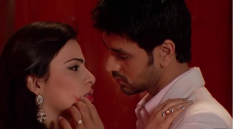 Shakti Arora and Radhika Madan As Ranveer and Ishaani From Meri Aashiqui Tum Se Hi