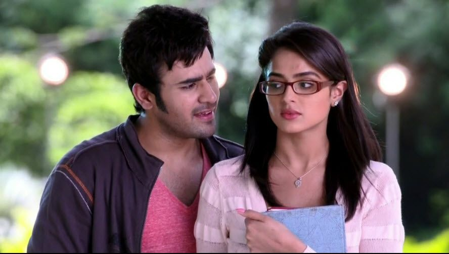 Badtameez Dil : Five Most Gripping Things About Abeer And
