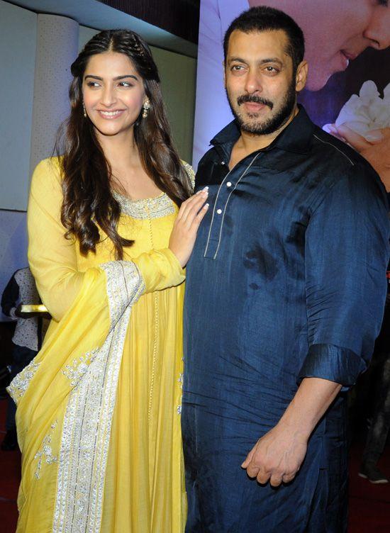 Sonam Kapoor and Salman Khan (Image Courtesy: Ashish Vaishnav / Indus Images)