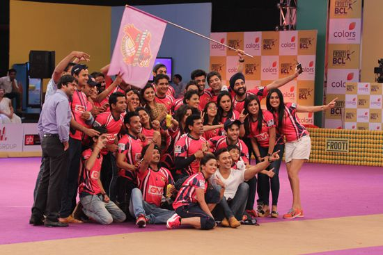Box Cricket League : When The Smiles Of Ssharad Malhotraa And Adaa Khan Did The Magic!
