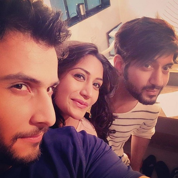Surbhi Chandna With Leenesh Mattoo And Kunal Jaisingh
