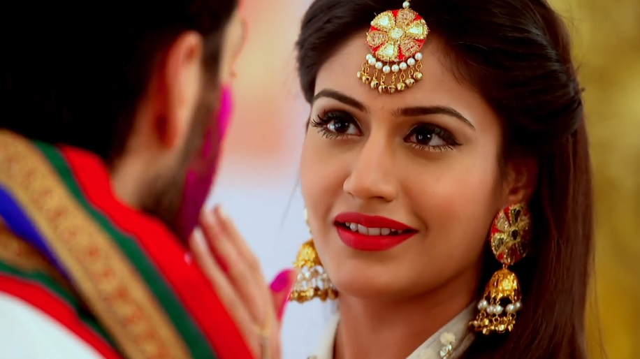 Surbhi Chandna : 6 Times Anika Has SLAYED It Adorning Gorgeous Jewellery In Ishqbaaz!