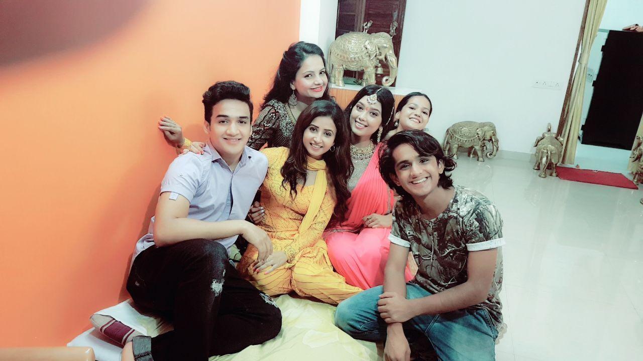 Gia Manek, Digangana Suryavanshi, Sana Amin Sheikh, Bhavesh Balchandani, Faisal Khan