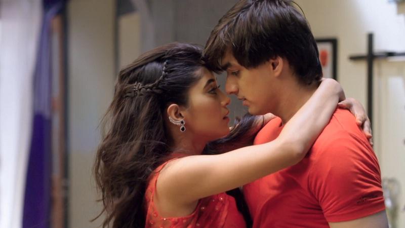 Yeh Rishta Kya Kehlata Hai : The Best Romantic Bold Scenes Of KaIra