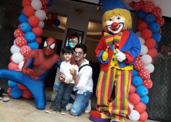 Arjun Bijlani With HArjun Bijlani With His Son Ayaanis Son Ayaan