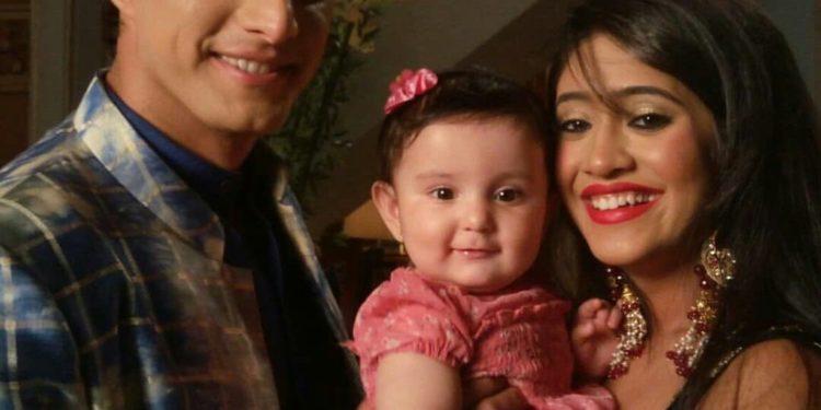 Yeh Rishta Kya Kehlata Hai : Kartik And Naira Holding Baby