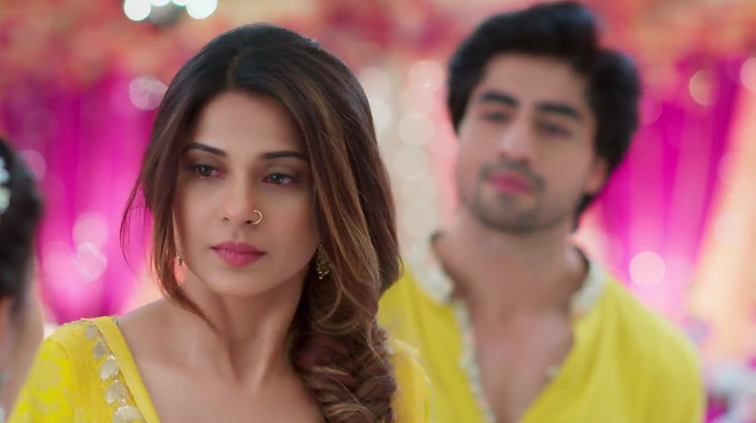 Jennifer Winget In Bepannaah