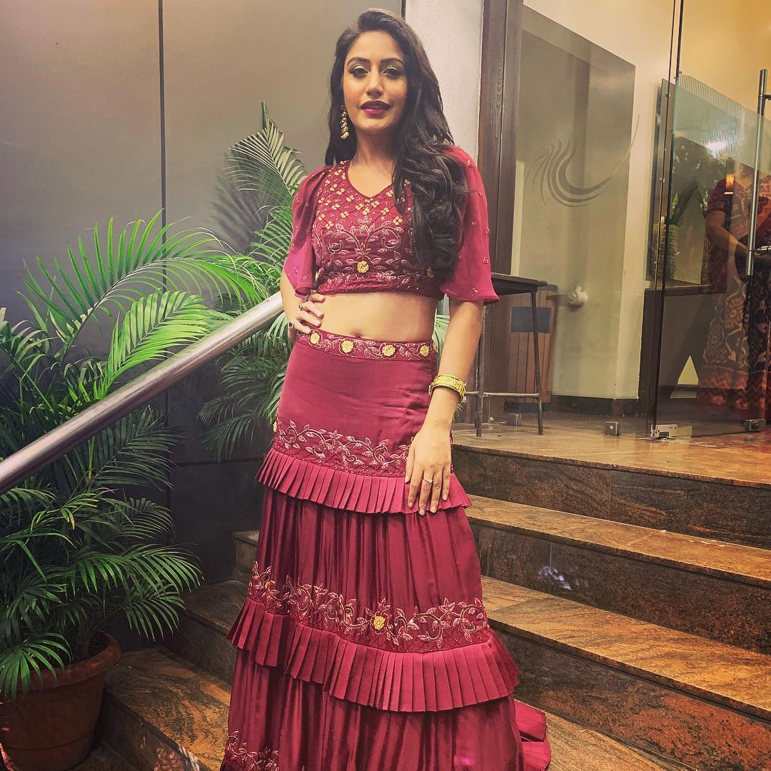 Top 5 Insta Pictures Of Surbhi Chandna That Would Literally