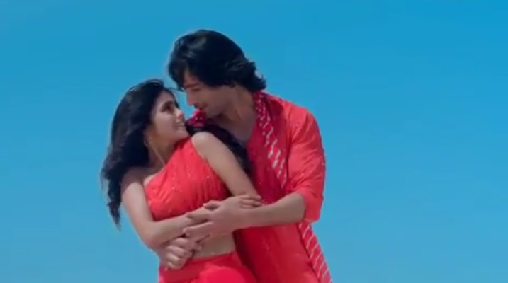 WATCH - The Full Video Song Of 'Dheere Dheere Se' From Yeh