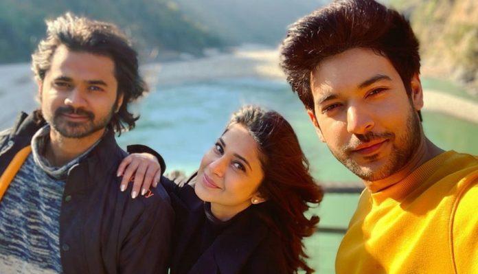 Shivin Narang And Jennifer Winget Shooting For Beyhadh 2 At Rishikesh