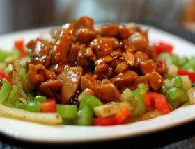जरूर ट्राई करें कुंग पाउ चिकन