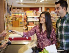 Credit Card से खरीदारी के वक्त रहिए सावधान