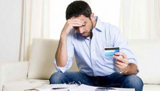 क्रेडिट कार्ड के नुकसान जो बैंक आपको नहीं बताते..