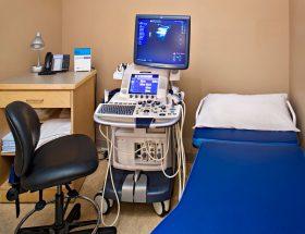 पहरे में सोनोग्राफी मशीन