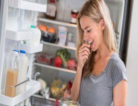 इन चीजों को कभी न रखें फ्रिज में