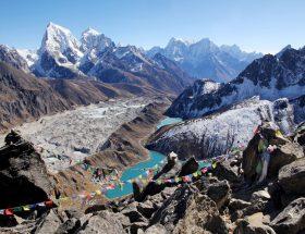 हिमालय की गोद में बसा नेपाल