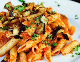 वीकेंड स्पेशल: एगप्लांट पास्ता