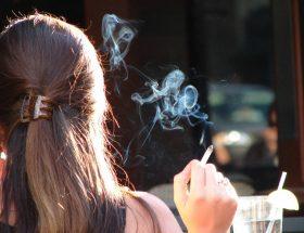 सिगरेट का धुंआ एचआईवी से भी खतरनाक