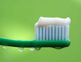 टूथपेस्ट से करें इन चीजों की सफाई
