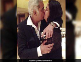 49 साल के इस डायरेक्टर ने शेयर की पत्नी के साथ लिपलौक की फोटो