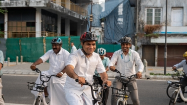 KMRL Conducts A Fun Event To Promote Use Of Public Transport And Cycling