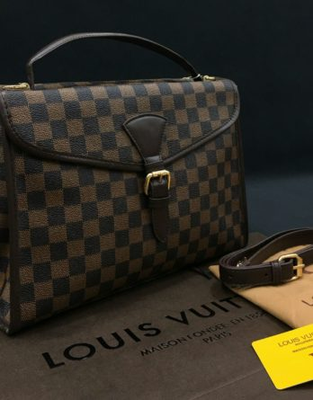 LV Type sling bag for ladies Good Looking