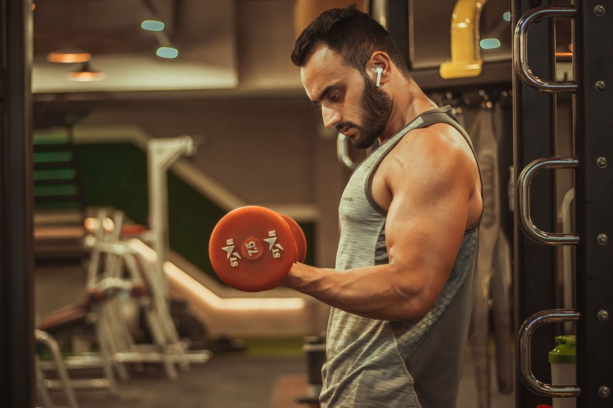 Consuming too much protein can lower testosterone level