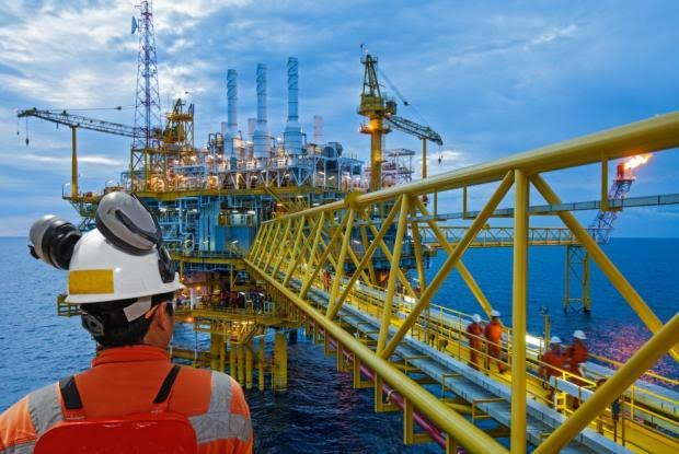 Oil Prices Trade Higher Ahead Of US Stockpiles Data