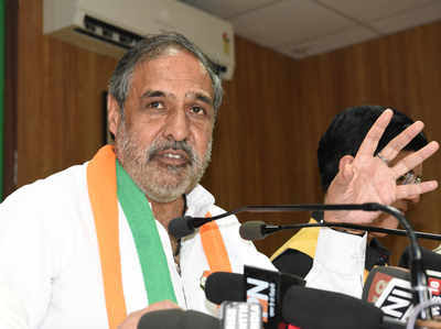 Anand Sharma Says Its Time To Revive Congress; Rahul, Sonia Unite Towards Solution
