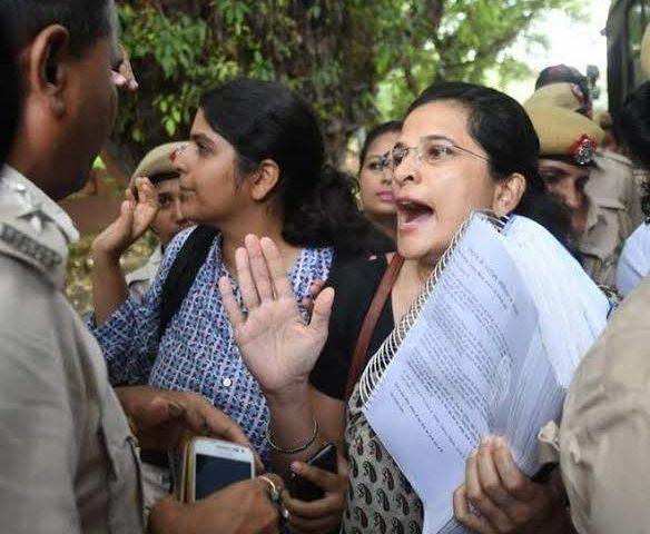 RTI Amendment Bill: Petitioners Against It Get Detained At Rashtrapati Bhavan