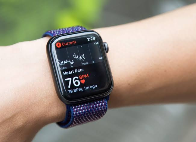 Apple Watch To Come With Sleep Tracking Feature Soon