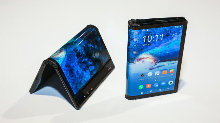 Next Samsung Foldable Smartphone Will Fold Into A Square