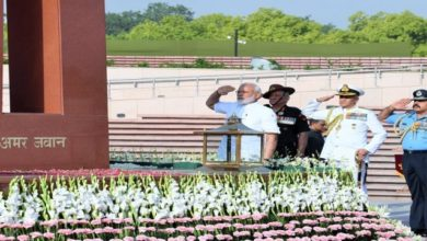 Photo of PM Modi Salutes Martyrs At National War Memorial On R-Day