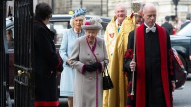 Photo of UK Queen Vows 'COVID-19 Won't Overcome Us' In Easter Message