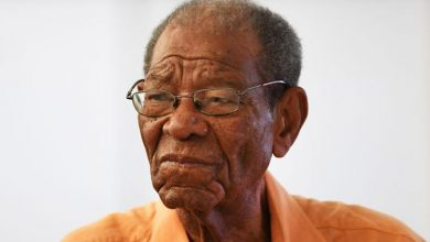 Photo of West Indies Legend Sir Everton Weekes Passes Away