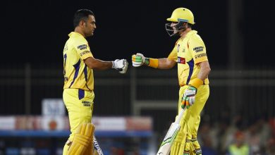 Photo of You Should Never Write Off Champions: Hussey On Dhoni's Future