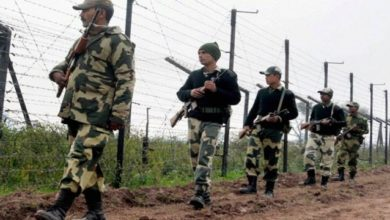 Photo of Indian, Pakistani Troops Trade Fire On LoC