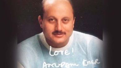 Photo of Anupam Kher Shares His Fantasy Of Sending Autographed Pics Like In The Old Days