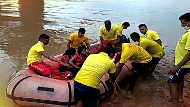 Photo of Woman, Daughter Jump Into Kathjodi River In Odisha's Cuttack, Both Rescued Safely