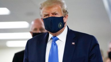 Photo of Trump Wears Mask On Camera For 1st Time During Hospital Visit