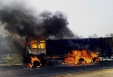 Photo of Maoists Blow Up Road, Set Vehicles On Fire In Jharkhand