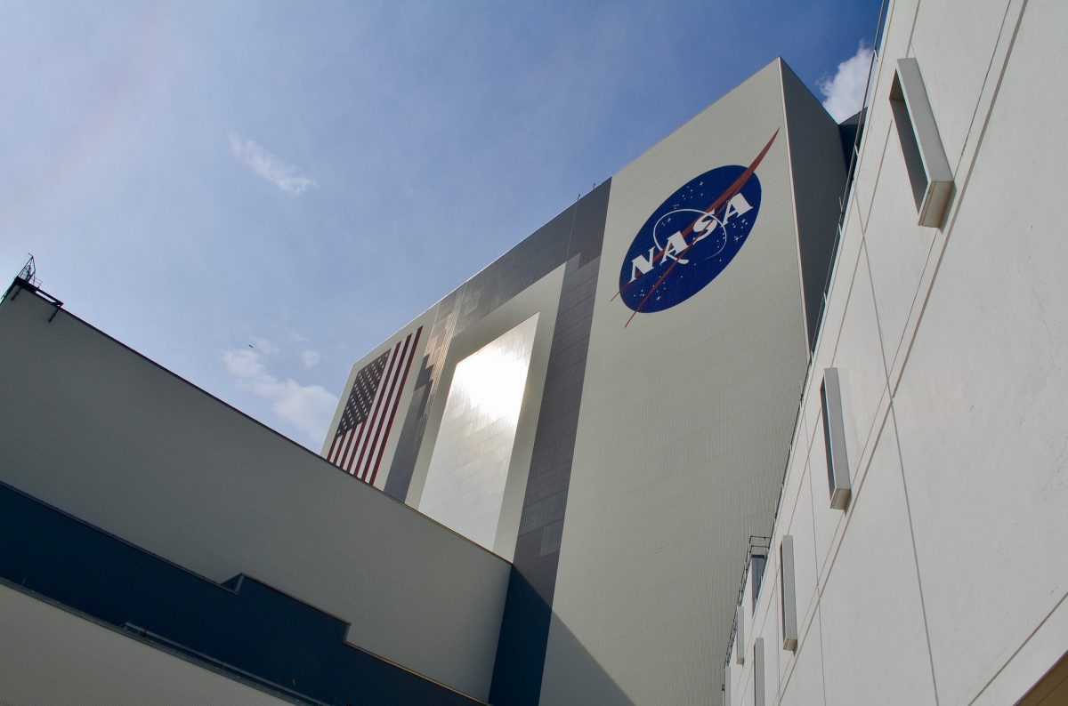 NASA Probe Prepares For First Asteroid Sample Collection Attempt - Ommcom News